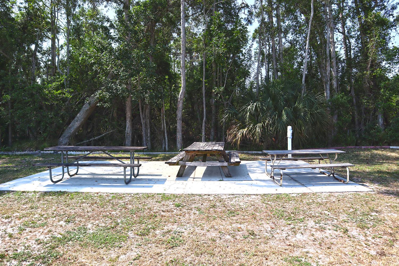 Cypress Bend RV Resort Amenities Outdoor Table